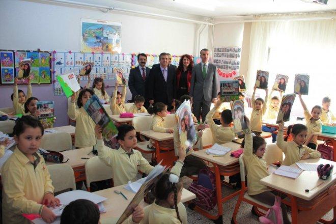 Okula Gidemeyen Öğrenciler Karnelerini Evlerinde Aldı