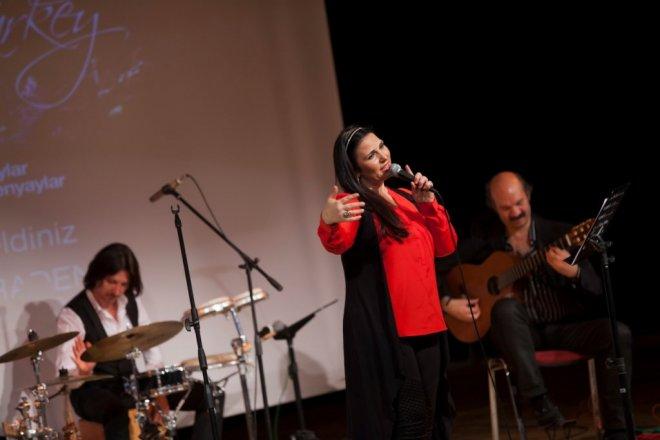 Şenyaylar Ailesinden Küçükçekmecelilere Müzik Ziyafeti