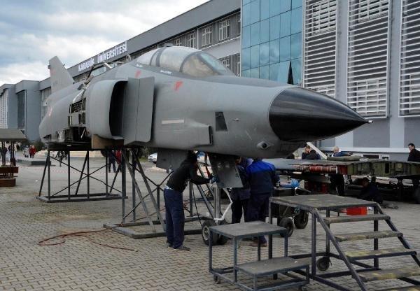Karabük Üniversitesi'nde Savaş Uçağı Sergilenecek