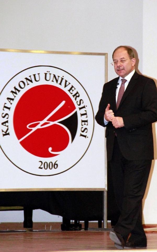 Sağlık ESKİ Bakanı Akdağ, Üniversitelilere Konferans Verdi