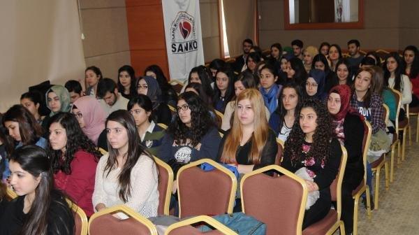 """Gaziantep'te """"Çocuk İstismarının Farkında Mıyız?"""" Sempozyumu"""
