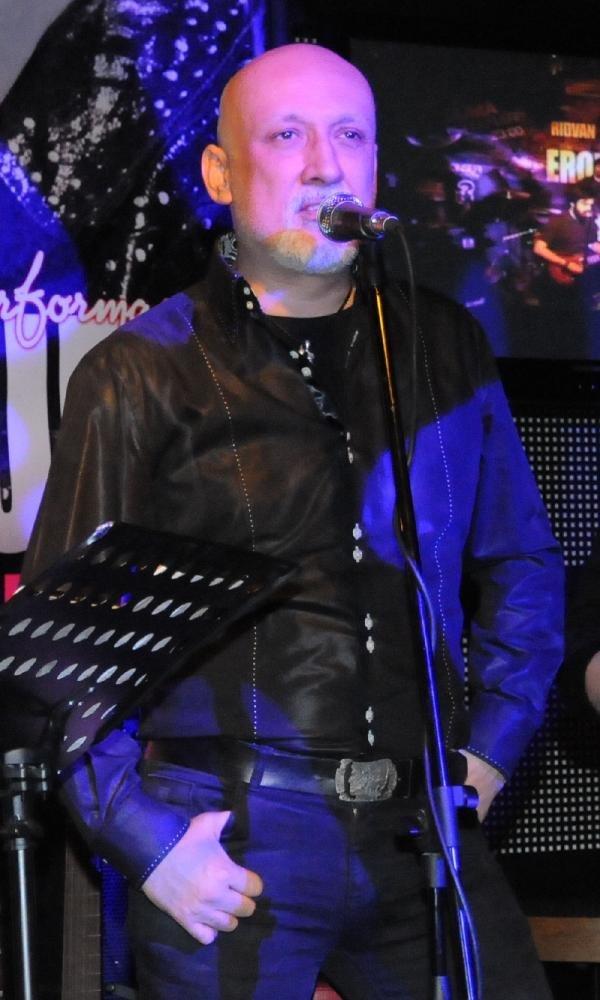 Erol Büyükburç, Konser Vereceği Salonda Anıldı