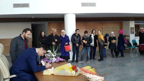 Erbaalı Yazar Zafer Çon, Sevenleriyle İmza Gününde Buluştu