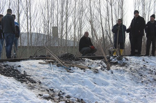 Van'da Patlamada Hasar Gören Vagon ve Raylar Onarıma Alındı