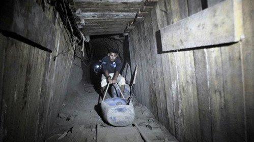 """""""Gazze, Mursi Döneminde Açık Olan Tünellerle Nefes Alıyordu"""""""