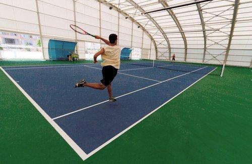 Selçuklu Belediyesi'nin Kapalı ve Açık 6 Tenis Kortu Hizmete Girdi