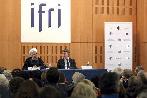 Ruhani Paris'te Konuştu: Avrupa'ya Örnek Olabiliriz