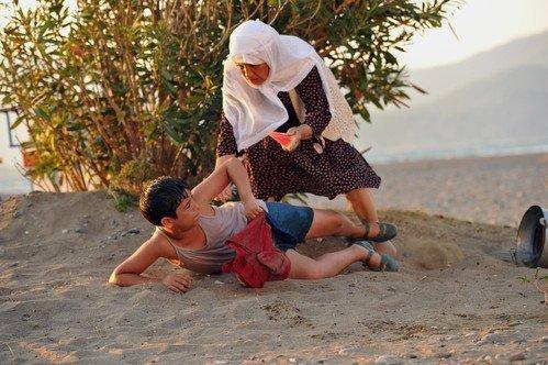 Seyirciden İftarlık Gazoz ve Cem Yılmaz'a Övgü