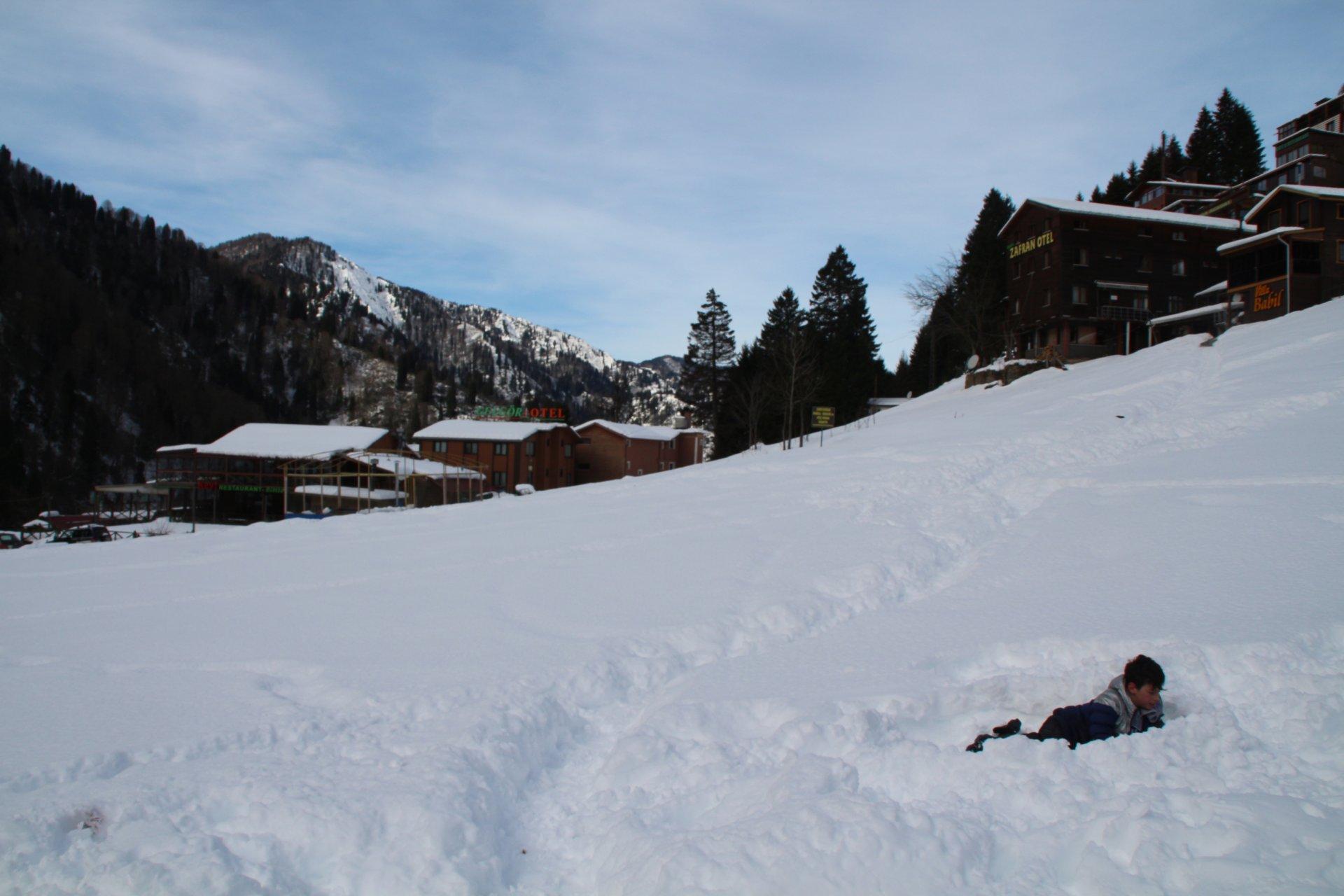 Karla kaplı Ayder Yaylası, kısıtlamada sessiz