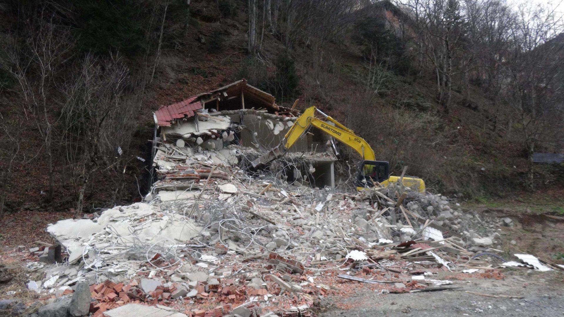 Uzungöl'de kaçak yapılar yıkılacak, kentsel dönüşüm projesi uygulanacak