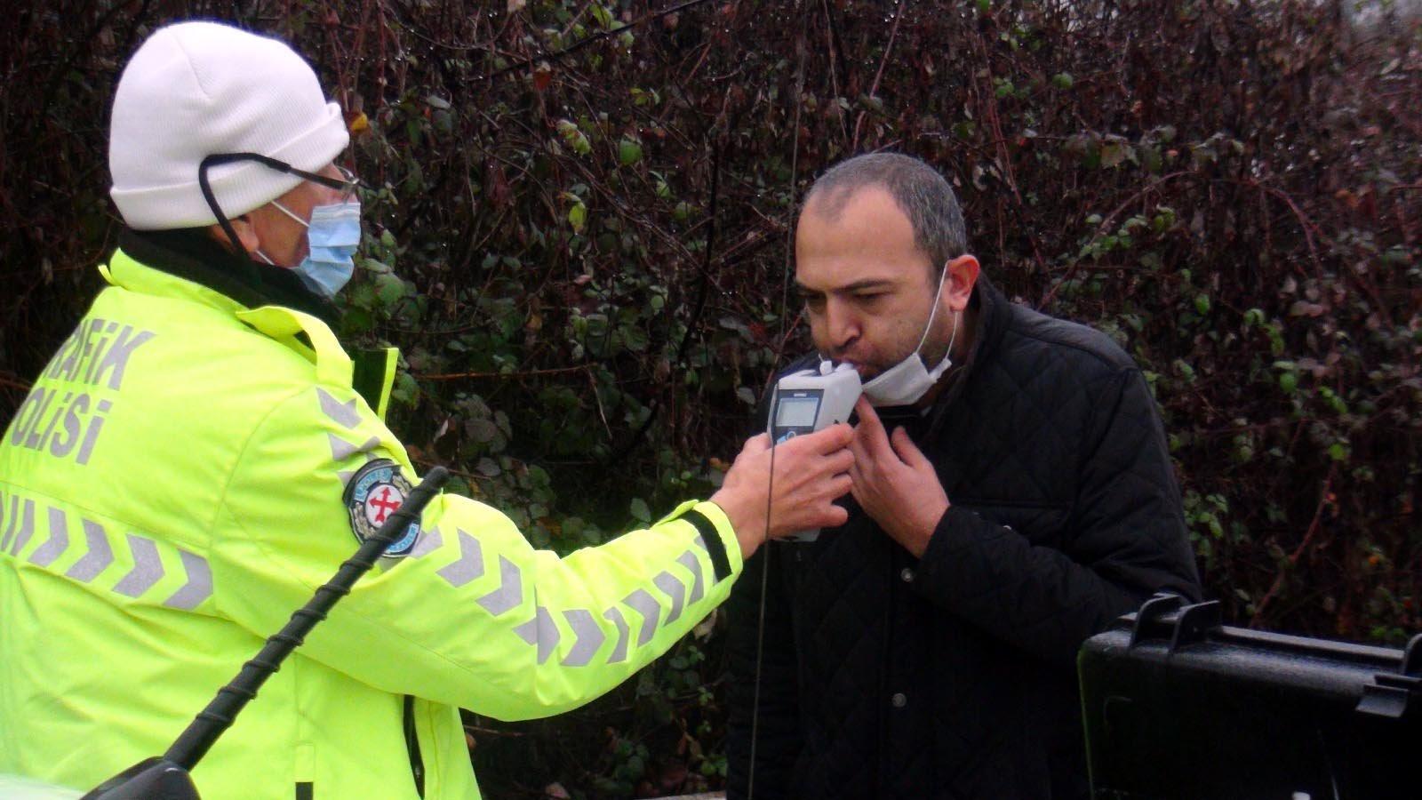 Alkollü sürücünin kurnazlığını görgü tanıkları ve gazeteciler boşa çıkardı