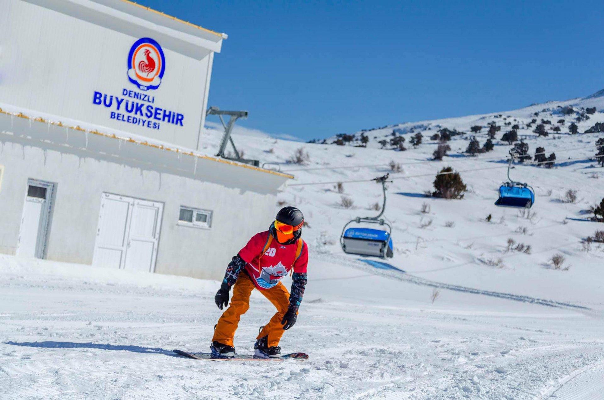 denizli-kayak-merkezi-pandemi-kurallarina-uygun-aciliyor-006-001.jpg